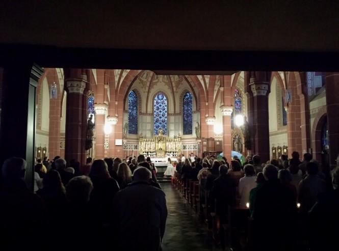 Osternachtsmesse der Pfarrgemeinden in Niederzier