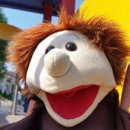 Schnupperkirche – Bruder Laurentius lädt auf den Spielplatz ein