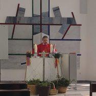 Pfarrer Andreas Galbierz feierte den Gottesdienst im Sophienhof